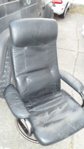 Faux Leather Chair No Rips Lightweight Easy to Move  $20