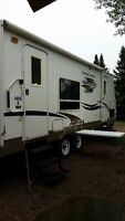 26.5 ft travel trailer. Copper Canyon by Sprinter