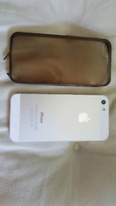 iPhone 5S 16 GB white  clean with case unlocked