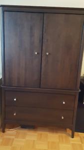 Commode 2 tiroirs & 2 portes en bois, contemporain récent