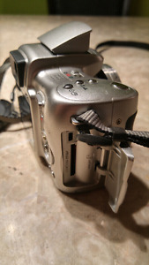 Didgital camera forsale. Its an Kodak EasyShare Z650. Paid 350$