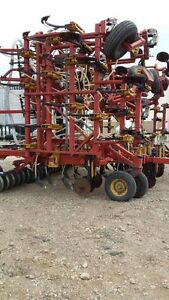 Reduced- 1996 Bourgault 5710 air drill & 2001 5350 air tank