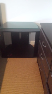 TV stand in a very good condition (REDUCED PRICE FOR MOVING)