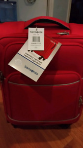 Samsonite Sebring Spinner Carry-on luggage - new with tags