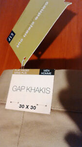 Gap KHAKIS W30 L30, NEW!
