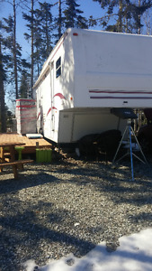 5TH WHEEL TERRY 32 FOOT