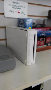 Nintendo Wii system w/ controller, hookups and game