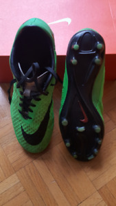 Souliers crampons soccer Nike Hypervenom cleats 7.5