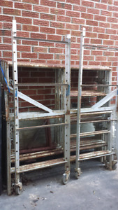3 LEVEL SCAFFOLDING AND WHEELED BAKER