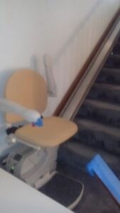 Estate Sale - Silver Cross - Simplicity Stair Lift  Model 950