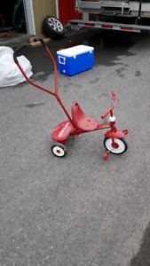 Radio Flyer push and pedal tricycle 25.00$