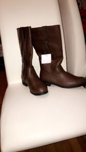 Girl  boots, brand new $10.00 each