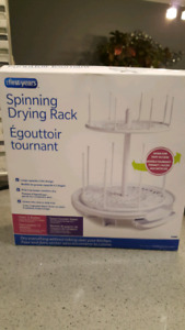 Baby bottle spinning drying rack in the box