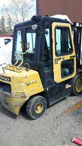 6000 LB  AIR TIRED FORKLIFT c/w CAB