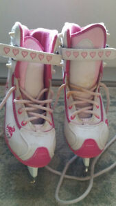 CHILD'S FIGURE SKATES SIZE 2