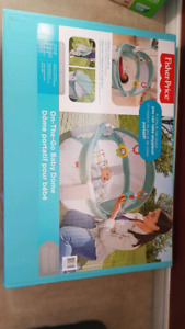 BNIB Fisher price on-the-go baby dome