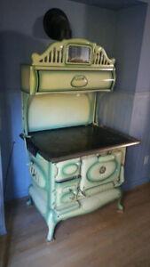 Poele a bois antique - Antique wood stove