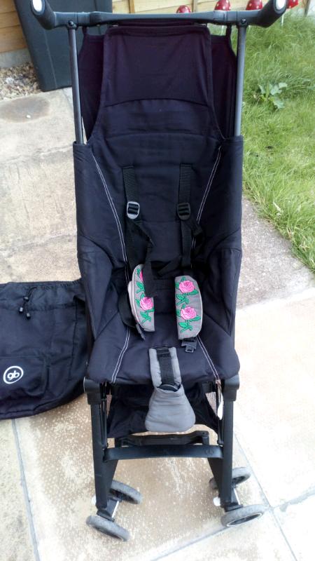Gb Pockit Stroller complete with original storage bag   in ...