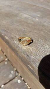9ct Gold Signet Ring with 3 Diamonds letter 'S' Summer Hill Ashfield Area Preview