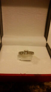 size 4.75 Engagement ring, 1.25ct total diamond weight