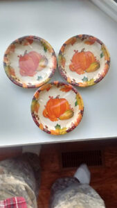 3 packages of 30 (=90) Fall theme paper plates