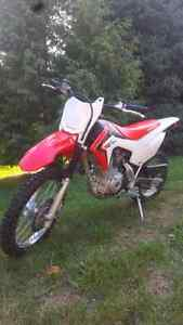 2015 Honda Crf125 four strokes with ownership