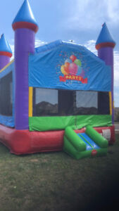 Cancellation special. Large bouncy house w/ delivery $75