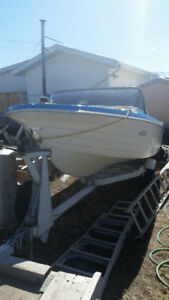 16 FOOT SKI-FISHING BOAT WITH ALL ACCESSORIES