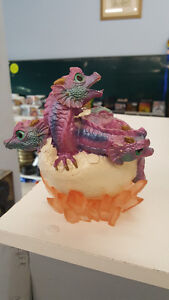 Triplet dragons hatching
