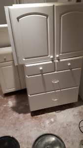 5 Used white Kitchen Cabinets in good condition