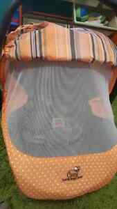 Infant Car Seat - Primo Viaggio 4-35 - Two Bases and Extras Cambridge Kitchener Area image 6