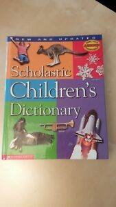 Children's dictionary (8 English 3 French) excellent condition West Island Greater Montréal image 4