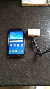 (BELL/VIRGIN) 16GB SAMSUNG GALAXY S4 INCLUDE CHARGER + CASE