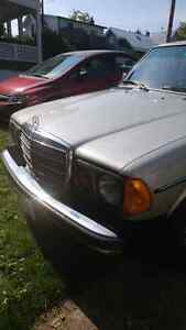 Mercedes 1977 300D London Ontario image 6