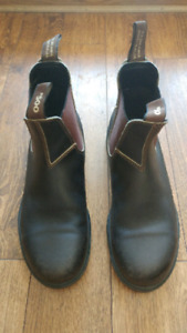 Mens Blundstone 500's Size 8 US