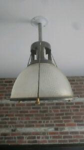 Luminaire Style Industriel - Verre et Métal - Loft - Vintage