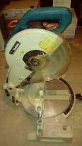 """Makita 10"""" compound saw with Freud 60 tooth blade"""