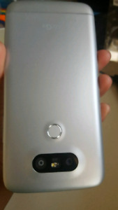 Lg g5 mint with lots of accessories NEED TO SELL ASAP
