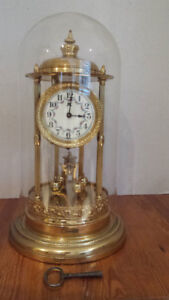 Antique 400 day Bandstand clock. In excellent condition.
