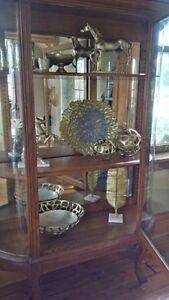 Large Antique Circa1920-1930 Oak Bowed Glass Cabinet Cambridge Kitchener Area image 1