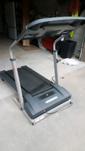Weslo Tredmill with power incline and hear rate monitor