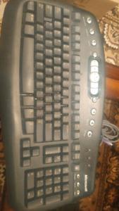 Microsoft Media Keyboard 10$