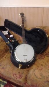 SAVANNAGH BANJO & HARD CASE