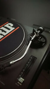 TECHNICS 1200MK2 TURNTABLE / RECORD PLAYER FOR SALE