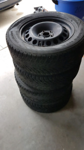 Snow Tires on rims 215/60R16