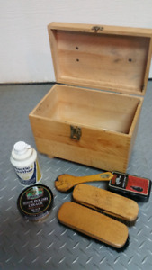 "Kit de cirage de chaussure ""shoe-shine box"""
