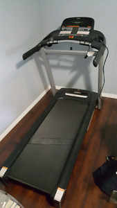 Folding Treadmill in Leduc, Pickup Only