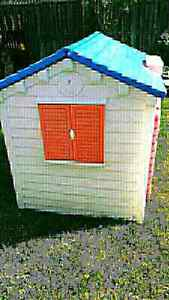 Fisher Price Playhouse /Toy Shed!  Cambridge Kitchener Area image 3