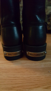 New never worn ladies Harley Davidson boots