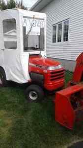 Tracteur Honda a gazon avec soufleur et cabine14/45